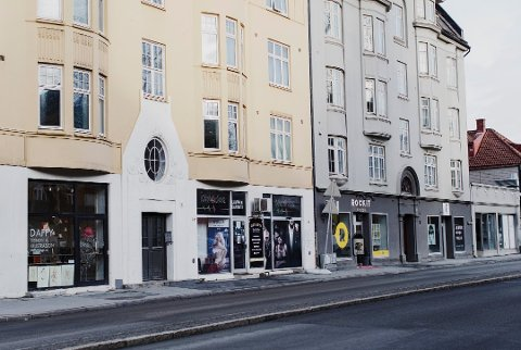 Sexklubb: Tom Ketil Krogstad driver flere erotikk-butikker. Blant annet Club4Shop i Innherredsveien i Trondheim, der det av og til også arrangeres «gangbang» i kjelleren. Foto: Therese Alice Sanne
