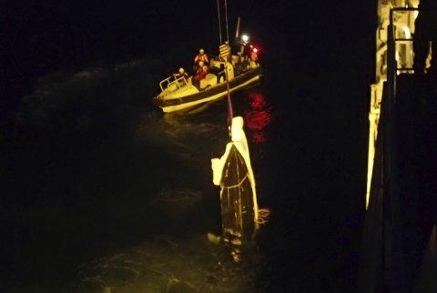 Småbåten var fullstendig ødelagt etter sammenstøtet med hurtigbåten.