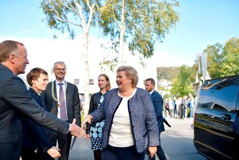 Statsminister Erna Solberg på besøk ved Norges Handelshøyskole i Bergen.