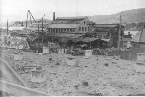 Laksevåg ble utsatt for engelske bombeangrep den 4. og 29. oktober 1944. 212 personer mistet livet, 60 av dem var skolebarn.