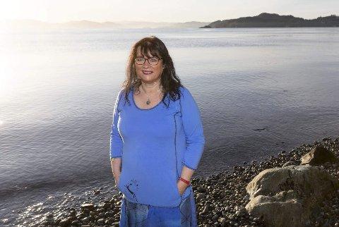 Forfatter Bente Bratlund skal skrive en rekke bøker de kommende årene, i en helt ny bokserie.