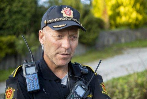 Innsatsleder Tom Johannessen forteller at politiet har gjort åstedsundersøkelser på ulykkesstedet.