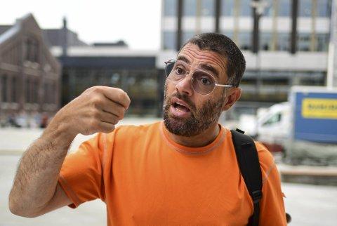 Høgskulen på Vestlandet (HVL) har gitt Sergio Martinez-Castro avskjed fra stillingen som avdelingsingeniør ved Institutt for maskin- og marinfag. Martinez-Castro aksepterer ikke avgjørelsen.