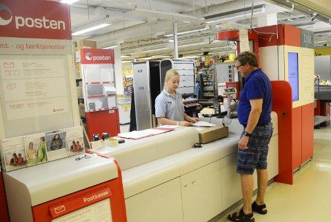 POSTI BUTIKK: Det er hos Coop Prix pakkene skal hentes også i framtiden, selv med nye postnummere i Hokksund.