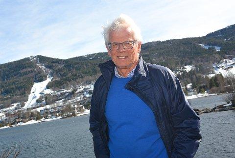 POLITIKK: Gunnar Olsen fra Vikersund, lurer på hvordan Modum Krf og partiets førstekandidat, Ole Johan Sandvand kunne velge Frp fremfor å støtte Arbeiderpartiet.