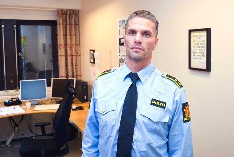 ETTERFORSKER: Stig Væråmoen etterforsker skyteepisode på Nerstad i Sigdal, der ett eller flere skudd har blitt utløst.