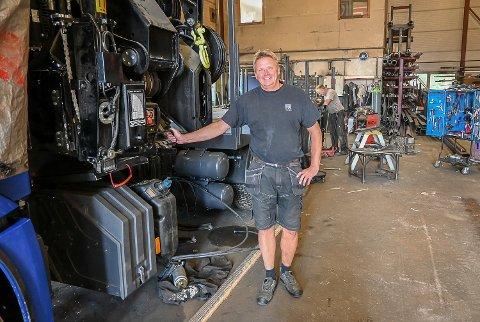 20 i ÅRET: Kjetil Gjellerud og hans ansatte hos Skare & Nes, bygger årlig opp 20 lastebiler helt etter kundenes ønsker og behov.