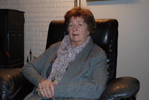 MISFORNØYD: Inger Lise Støyl (68) har lang erfaring med ventetid på sykehuset - det er ikke ventetid hun reagerer på. – Det er heller snakk om manglende oppfølging og dårlig effektivitet, sier hun.