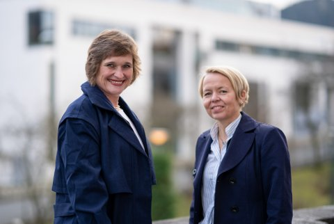 UNIVERSITET I BERGEN: Rektorkandidat Oddrun Samdal og Camilla Brautaset tapte rektorvalet ved UiB.