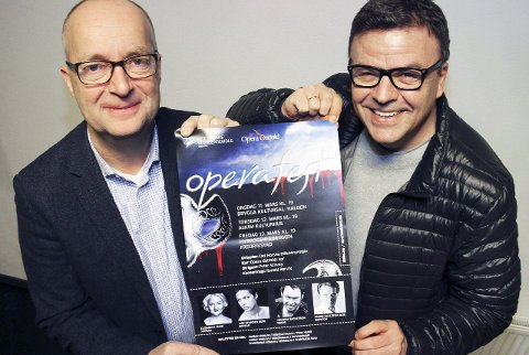 Står bak: Pål Scott Hagen i Opera Østfold (t.v.) og Geir Rebbestad i Blåseensemblet arrangerer operafest i Hydrogenfabrikken.