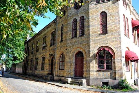 Aktuelle kontorplasser for politikere: Det gamle fengselet i Gamlebyen ligger rett ved siden av bystyresalen. (Arkivfoto: Geir A. Carlsson)