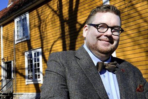 SYKLER MED STIL: Mannen bak Tweeds Kulturfest, Knut Thomas Hareide-Larsen, starter sammen med Trond Svandal, sykkelritt med fokus på stil og hygge.