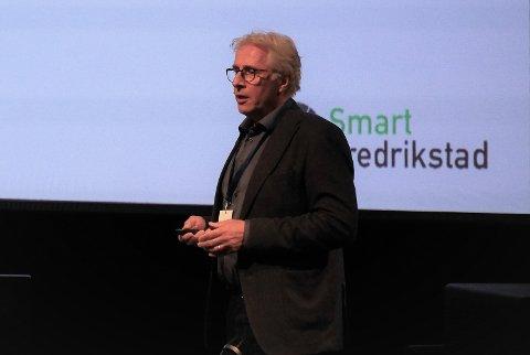 Siste jobb som rådmann: Ole Petter Finess holdt innlegg om Smart Fredrikstad på Ørakonferansen onsdag. (Foto: Øivind Lågbu)