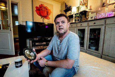 SEIER MED BISMAK: Leif Kristoffersen vant rettsaken mot forsikringsselskapet om erstatning etter smykketyveri. Men aller helst ville han beholdt smykkene, som var arv etter foreldrene.