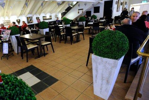 Søker eiere: Café Mesanin i Østfoldhallen skal selges.