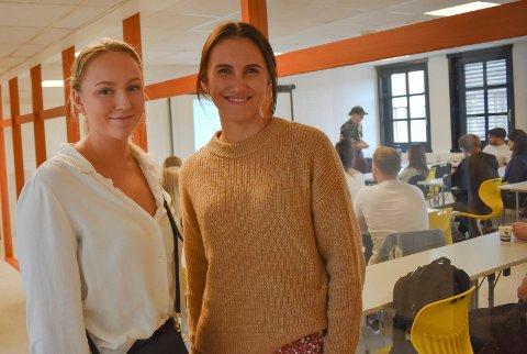 FERSKE STUDENTER: Ine Halvorsrød (20 år, t.v.) og Vilde Kvalvik (22) er to av rundt 220 elever som så langt har fått plass ved Sonans utdanning i Fredrikstad. Skolen har blitt svært populær blant dem som ønsker å gå opp til eksamen som privatist.