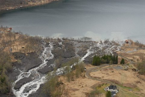FARE: NVE går ut med varsel om flom- og jordskredfare fra tirsdag. Illustrasjonsfoto