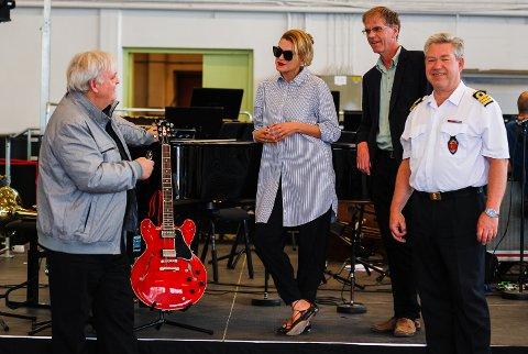 MELLOM PRØVENE: Bjarte Engeset, årets gjesteartist Melody Gardot, Truls Sanaker og Terje Gravningsmyhr fant tonen - både musikalsk og personlig.