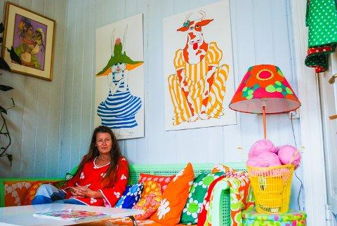 60-TALLET: Monika Sandnes innreder hjemmet sitt med 60-tallsmøbler fra loppemarked.