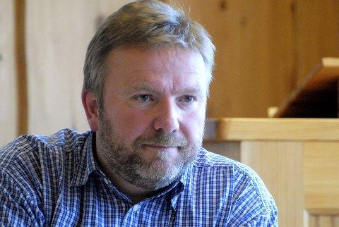 Bengt Fasteraune, Dovre-ordfører (Sp) med rent flertall. Ansvaret forplikter Ap og Sp som deler nesten all makt i Gudbrandsdalen.