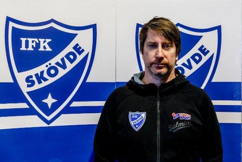 TØFF START: Jonas Wille sitt IFK Skövde serieåpnet borte mot Hammarby fredag kveld, og tapte til slutt 28-25.