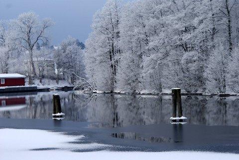 Det har vært en uvanlig kald vinter i Halden. Neste uke er det ventet varmegrader igjen.