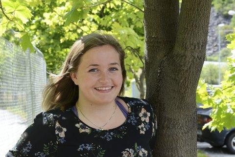 Pågangsmot: Andrea Svenning Forsberg har no fullført ein bachelor innan idrett, fysisk aktivitet og helse, og vil starta pårørandegruppa i Odda.