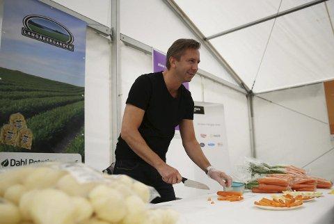 Fra karmøy: Karl Dahl fra Dahl potetindustri leverte poteter og grønnsaker til den første matkassen. ARKIVFOTO: GRETHE NYGAARD