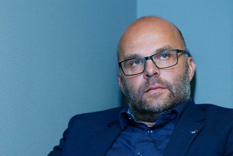 SLÅR TILBAKE: - Historien har kommet feil ut, sier daglig leder Eirik Opedal i FKH om tribunesaken.