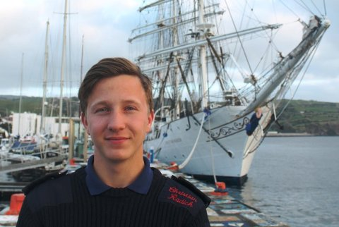Aleksander Michael Pettersen (18) fra Tjøtta tar et skoleår om bord på skoleskipet Christian Radich.