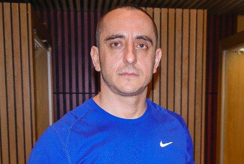 UENIG MED STYRET: Kalin Vulkovski har vært svømmetrener i HSLK i nesten halvannet år. Han føler seg urettferdig behandlet av klubbens styre.