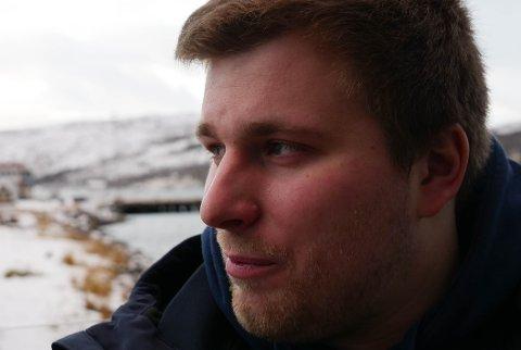 USIKKER TID I VENTE: iFinnmark møtte Kirill Svendsen (27) i Kirkenes der han nettopp hadde blitt skrevet ut av sykehuset. Svendsen forteller om en økonomisk usikker periode fremover.