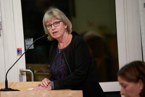SPØRSMÅL TIL ORDFØRER:  Aps Tone Jørstad stiller to spørsmål til ordføreren i onsdagens kommunestyre angående Lillemarka-eiendommen på Nesset.