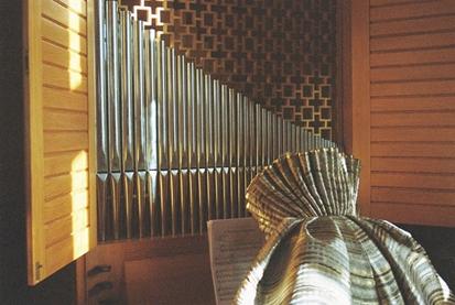 KUNSTLITURGI: Det kunstneriske forskningsprosjektetKunstliturgienkan omtales som rituelt musikkteater basert på utopisk filosofi der Holmberg utvikler egne liturgiske elementer for eksistensielle hendelserogoverganger i livet
