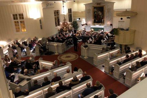 MØTTE OPP: HUK-konserten dro bra med folk til Holmestrand kirke.