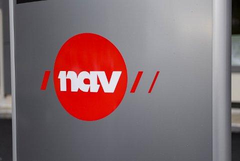 Nav-logoen på skiltet uttanfor Aksen