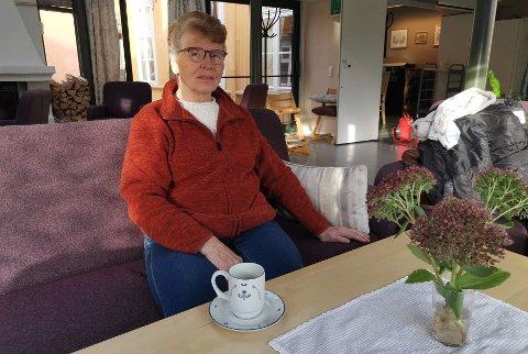 KJEMPER FOR DE ELDRE:  Toril Heia (76) er fortvilet og frustrert over hvordan kommunen løser ordningen med tilkjørt varm mat til hjemmeboende eldre.