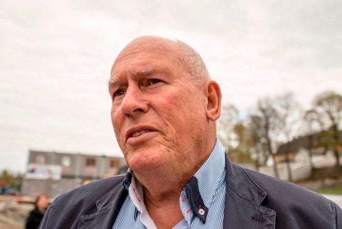 PROVOSERT: Roar Flåthen, mangeårig klubbformann i KV, styremedlem i Kongsberg Gruppen og tidligere LO-leder, synes Kongsberg Jazzfestival er helt på bærtur.