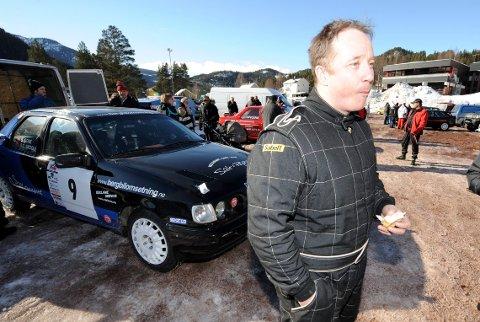 GLEDER SEG: Uvdølen Ole Gunnar Skogli er klar til NM-satsing i rally igjen. Dette bildet er tatt på Numedalsrally for noen år siden. FOTO: OLE JOHN HOSTVEDT