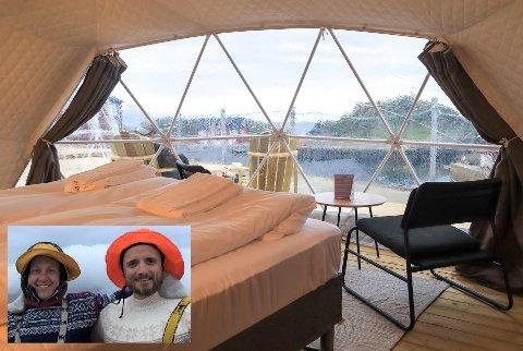 John og Marcus med reiselivskonseptet i Stamsund hvor du kan nyte utsikten direkte fra senga.