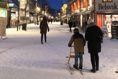 Spark, ski og one foot er alternative transportmåter som er ønskelige i Lillehammer, i stedet for bil.