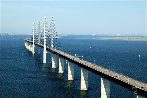 Bro: Ifølge interesseorganisasjoner vil Statens vegvesen fortsatt utrede fergefrie alternativer mange har vendt tommelen ned for. Bildet viser Øresundsbroen.