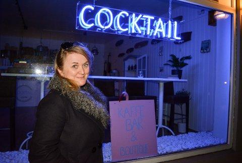STOPPESTED: Inger Karlsen tar med sin trio til Cocktail i Storgata.