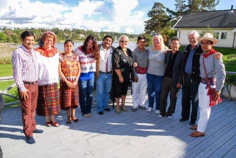 VENNSKAPSBY: En delegasjon fra Aguacatan i Guatemala besøkte Moss i 2014. Her er de på avskjedsmiddag hos familien Molvig i Larkollen.