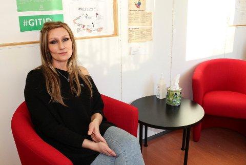 KAN HJELPE: Anne-Karin Sandli er psykologspesialist og jobber ved Helsestasjon for ungdom i Moss.
