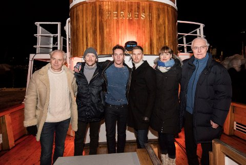 Teamet på båten: Regissør Harald Zwart, Thomas Gullestad, Jonathan Rhys-Meyers, Mads Sjøgård Pettersen, Aggie Peterson og forfatter Tore Haug.