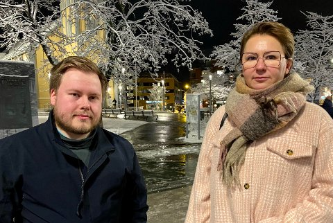 MINNESTED: 22. juli er en nasjonal tragedie, sier Thomas Birkeland og Olga Goldfain. De sier hele landet har behov for å få på plass minnesmerket som nå er under bygging på Utøyakaia.