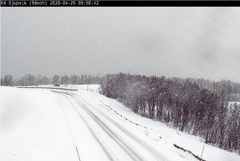 KÅFJORD: Slik ser det ut på E6 i Djupvik i Kåfjord nå. Foto: Statens vegvesens veikamera