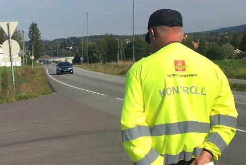 KONTROLL: Statens vegvesen gjennomførte kontroll flere steder på Hadeland onsdag.