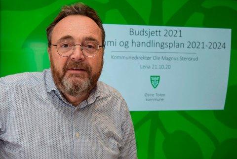 UTFORDRENDE: - Vi står foran en utfordrende men realistisk omstilling, sier kommunedirektør Ole Magnus Stensrud om sitt første budsjettframlegg i Østre Toten.
